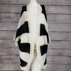 Torrid sz 2 Open Front Cardigan Sweater Striped